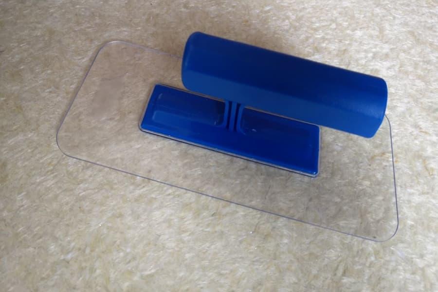 Терка пластикова прозора 220 х 90 мм для нанесення рідких шпалер