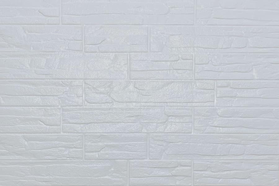 Самоклеюча декоративна 3D панель 155 під білу рвану цеглу 700х770х5мм купити в Україні - БудБум